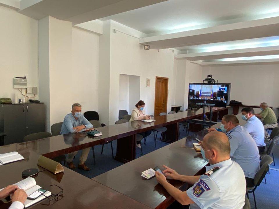 Directorul executiv al DSP Vrancea a participat la ședința de lucru cu premierul României post thumbnail