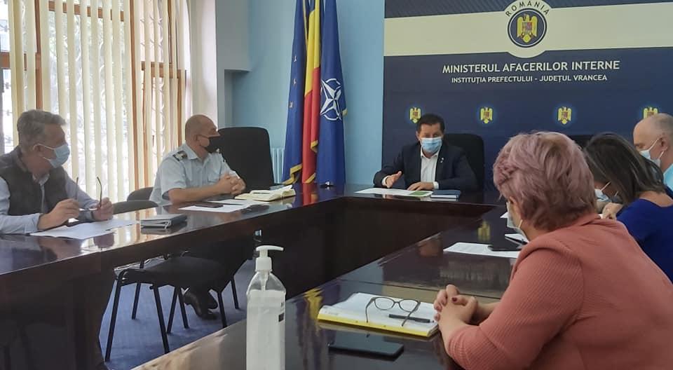 DSP Vrancea, la ședința de reevaluare a școlilor din județ post thumbnail
